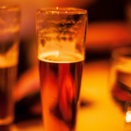 Studie bestätigt: Ein oder zwei Bier nach der Arbeit sind gesund