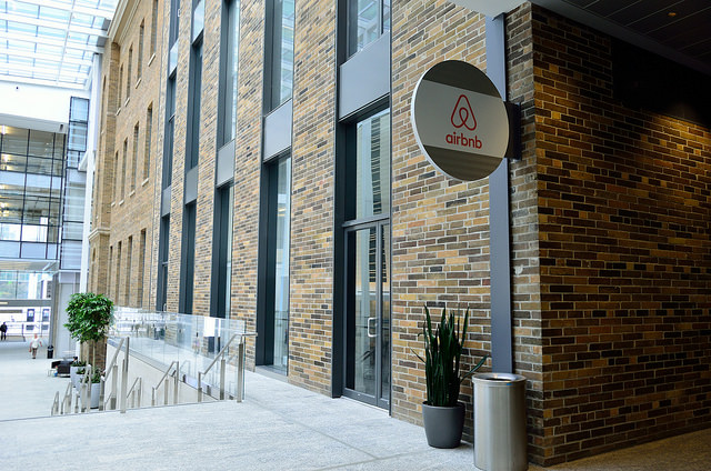 Hotels vs. Airbnb