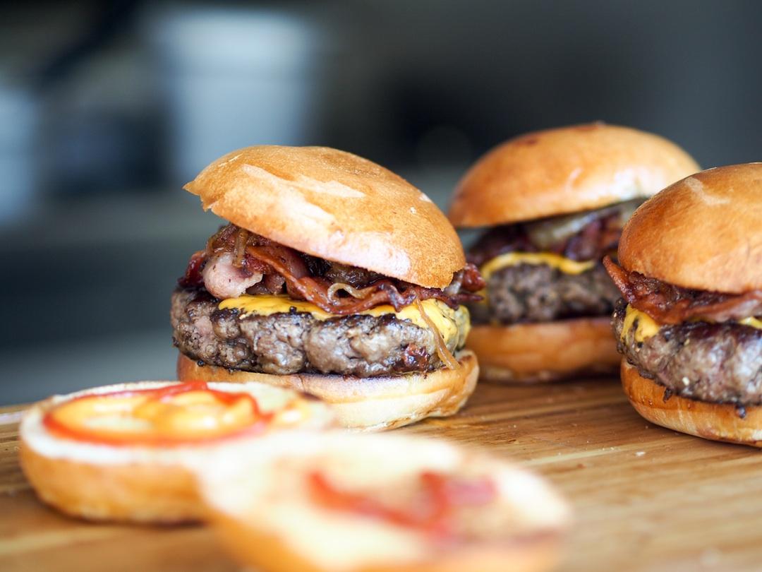 1 von 3 Vegetarier essen Fleisch, wenn sie betrunken sind