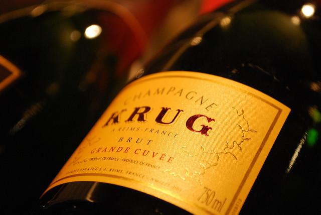 10 Dinge, die du wahrscheinlich nicht über Champagner weißt