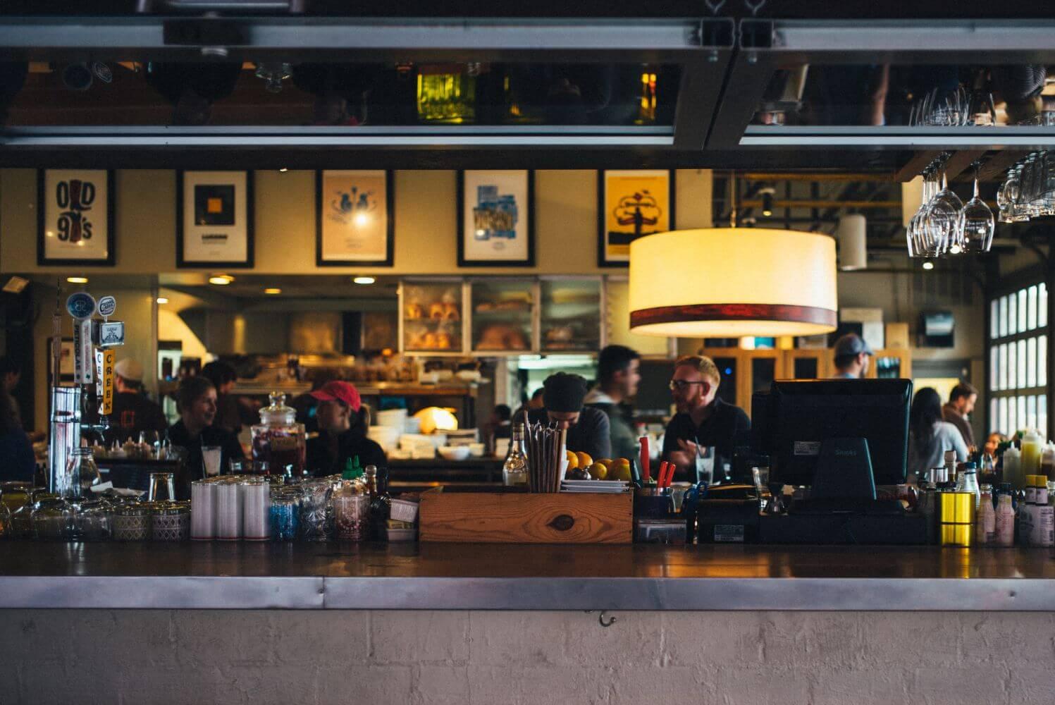 10 Dinge, die dir ein Kellner niemals sagen würde, aber du wissen solltest