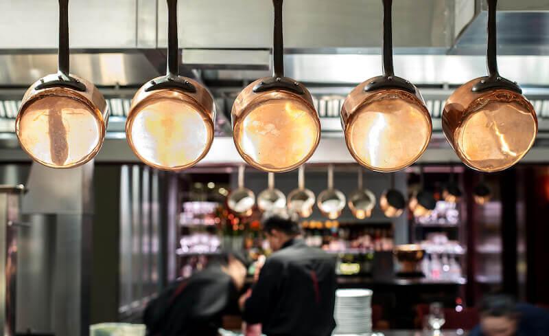 7 gute Gründe, warum du Jobs in der Gastronomie einer Büroarbeit vorziehen solltest